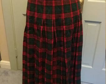 1940s 40s Red and Green Wool Plaid Pleated Skirt