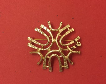 Vintage Sarah Coventry Snow Flake Gold Brooch