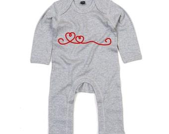 Hearts bodysuit, baby love bodysuit, baby valentines bodysuit, valentines day bodysuit, baby valentines gift, baby heart bodysuit, lovers