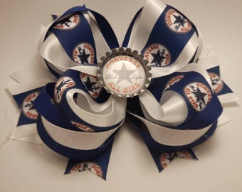 Converse navy blue, and white hairbow.