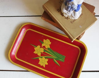 Red Daffodil Tray