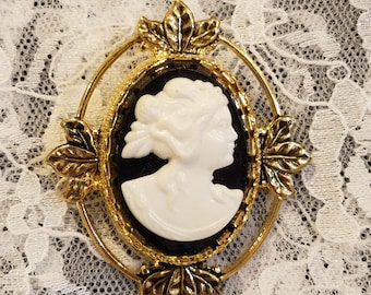 Black and White Lady Resin Cameo Goldtone Brooch