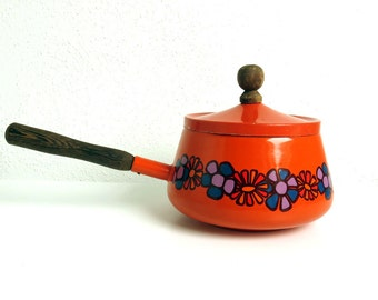 Vintage 70s Enamel Brabantia Fondue Pot with wooden handle - 1970s Mod Dutch Design Saucepan - Orange Flower Power Enamelware Kitchen