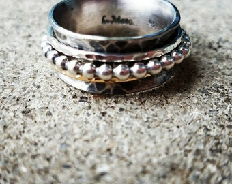 Spinner ring with beaded spinner and gold