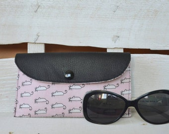 Women's eyewear case with mice in vegan leather