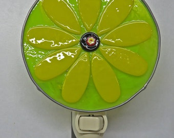Flower Night Light - Large Black Eyed Susan Nightlight - Fused Glass Flower Night Light - 4 Inch Diameter