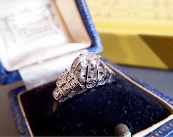 An ART DECO spectacular in Diamond Solitaire Composition