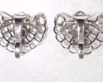 Crown TRIFARI ALFRED PHILIPPE 1947 Pat Pend Clip On Earrings