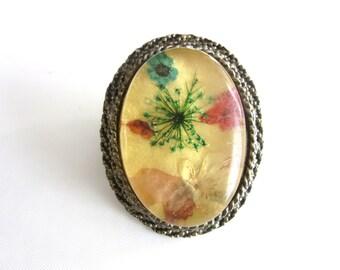 Large Encased Lucite Brooch or Pendant Embedded Flowers & Ferns Multicolor