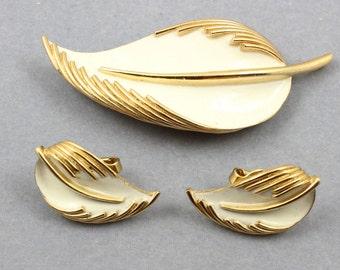 TRIFARI Enamel Brooch Earrings Demi Parure Vintage Mid-Century 1960s
