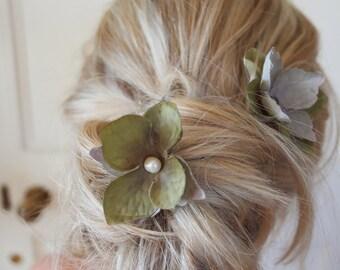 Hydrangea clip, Grey flower clip, hair clip, wedding hair clip, hair pin, set of two, hydrangea pin, flower hair pin, bridesmaid hair clip