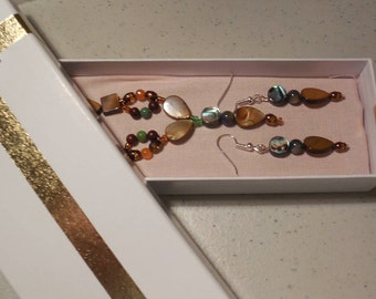 Jewelry Set with Multicolor stones and shells