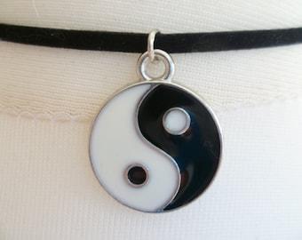 Yin yang choker,yin yang necklace,yin yang jewellery,yin and yang,black choker,handmade,gift,balance jewellery,black and white,suede choker