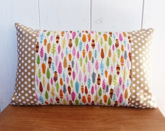Cushion cover 50 x 30 cm beige feathers and polka dot pattern fabric