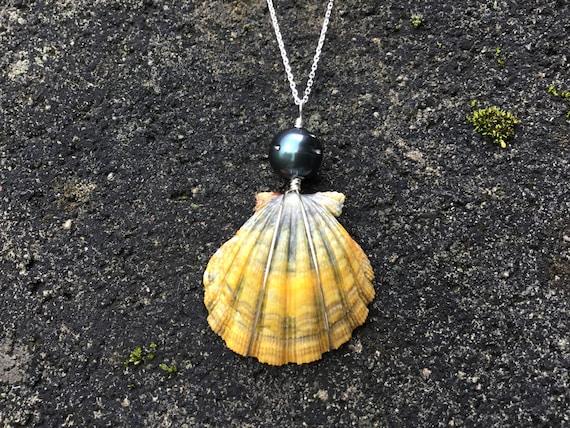 Blue Moonrise, Hawaiian Sunrise Shell, Black Tahitian Pearl, Sterling Silver Diamond Cut Necklace