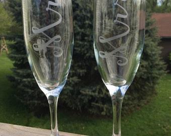 2 Champagne Glasses, Etched Champagne Glasses, Wedding Champagne Glasses, Couple Wedding Gift, Just Married, Toasting Glasses, Custom