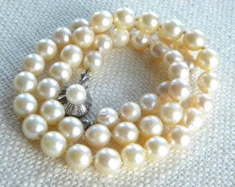 Vintage CULTURED pearls necklace Silver 835 clasp ~ CREAM colour ~ German  inA2168