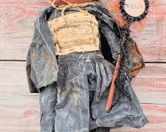 Primitive Standing Halloween Witch