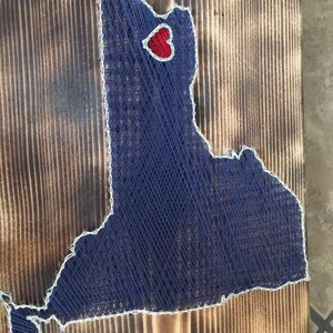 """Handcrafted state string art. New York State """"Buffalove"""""""