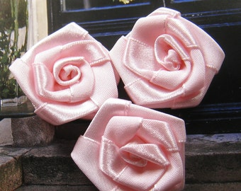 35mm Pink satin ribbon flower appliques (10 pcs)