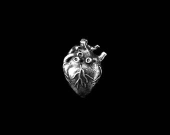 3D Anatomical Human Heart Pendant - Antiqued Silver Plated (1x) (K626-G)