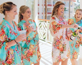 Set of 9 Silk Bridesmaid Robes, Bridesmaid Gift, Satin Bridesmaids Robes, Kimono Robes, Bridal Party Robes, Wedding Robe, Bridesmaids Robes