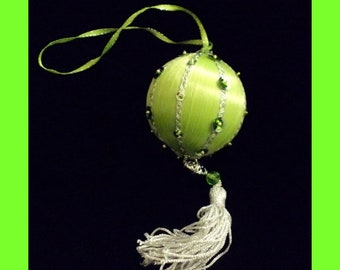 Birthstone Ornament: August (Peridot)