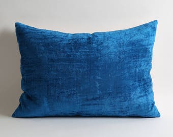 ikat pillow, ikat, velvet pillow, decorative pillow, velvet, blue, blue velvet pillow, decorative pillows, throw pillow, accent pillow