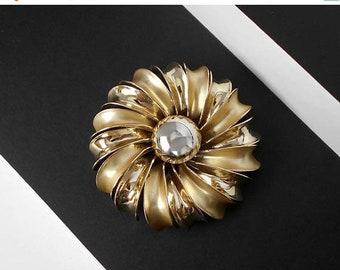 Vintage Pinwheel Flower Brooch Pin Gold tone Satin Shiny