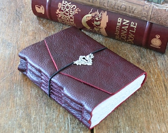 """Leather Journal . Virginia Woolf: """"If you do not tell the truth about yourself you cannot tell it about other people"""" . handmade (320pgs)"""