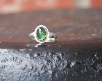 Olive Green Tourmaline Oval Fine Silver Bezel Setting Sterling Silver Floral Ring SIZE 6.5