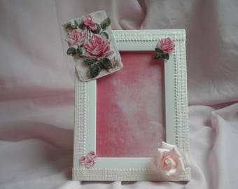 FRAME PICTURES SHABBY CHIC WHITE, LACE AND PINK