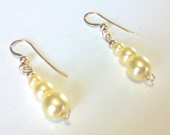 Pastel Lemon Yellow Pearl Earrings, Wedding Beaded Dangle Earrings, Simple Jewelry, Glass Pearl Bead Jewelry, Popular Jewelry Design
