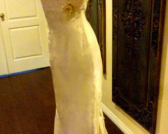 Stunnig Late Edwardian Era Inspired Ivory Wedding Gown- Gorgeous detachable train-Multiple looks-Perfect for Garden Setting