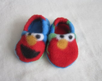 Sesame Street Elmo fleece baby booties