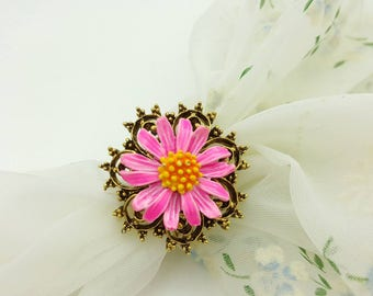 ART Signed  Pink  Enamel Daisy   Scarf Clip and Brooch Victorian Gold tone