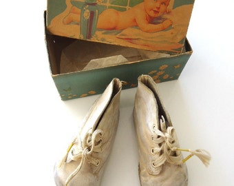Antique Baby White Leather Shoes in Original Box with Baby Picture
