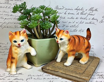 Napcoware Import Japan ceramic cat kitten striped set of two retro figurines orange
