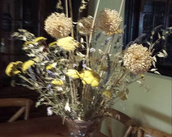 1 m bouquet of varied dried flowers