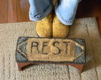 REST - rug hooking pattern - Paper or Linen - from Notforgotten Farm™