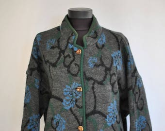 Vintage PURE WOOL HANDMADE women's trench coat ............(360)