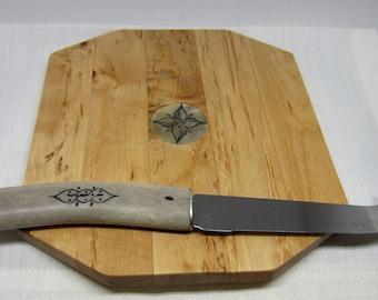 Sami Handicraft Birch tree cheese tray and Knife with Reindeer antler handle Lapland Scandinavian crafts Nordic style Retro Swedish vintage