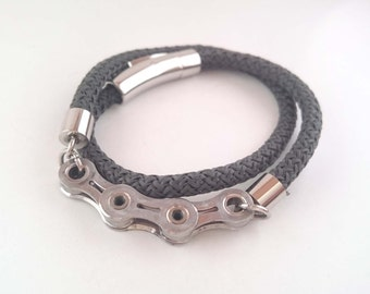 Unisex bracelet made of rope and recycled bicycle parts, double wrapped - UPcycling at its finest!