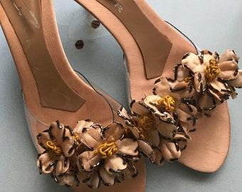 Vintage kitten heels 1980s kitten heel shoes eighties perspex and applique flower vintage embellished flower sandal kitten heel peach satin