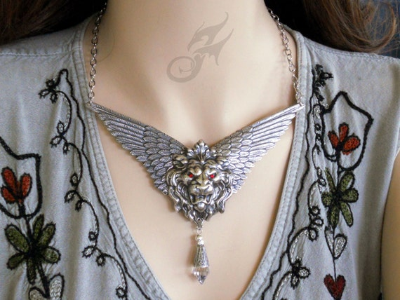 Winged Lion Necklace Swarovski Eyes Mythical Fantasy Victorian Style Steampunk Silver Plated Brass Stainless Steel Chain Topaz Crystal N0656