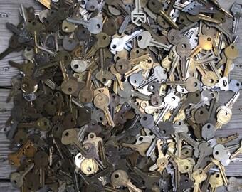 Mystery Lot of 25 Vintage Keys
