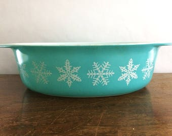 Vintage Pyrex White on Turquoise Snowflake 045 Oval Casserole Kitchen Milkglass Baking Cookware