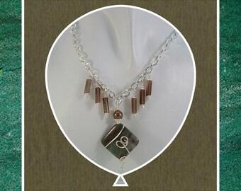 Bernardo sang neuf Pierre collier de perles, conception sud-ouest, fil enroulé collier, pendentif pierre, fermoir crochet, article #648