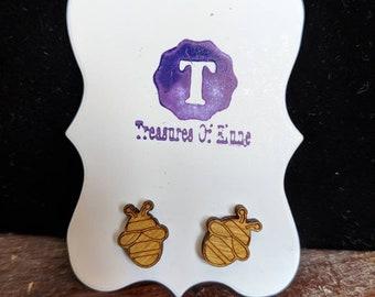 Wooden bumblebee earrings. Treasures of Elune studded ear rings