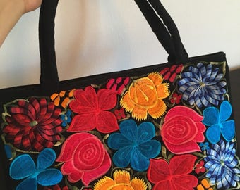 Embroidered bag from Chiapas